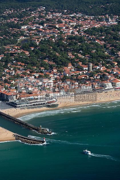 France, Aquitaine, Landes (40) , Capbreton: La plage et la passe du Boucarot, Vue aérienne //  France, Aquitaine, Landes,  Capbreton: The beach , aerial view