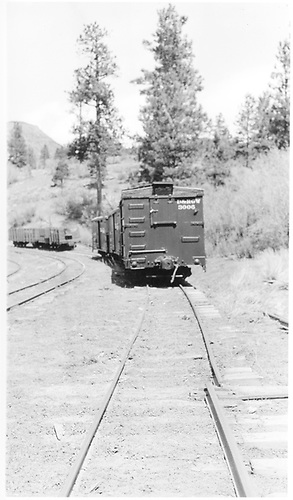 RGS west derail at Franklin Junction.  This was on the sidng to the Boston Coal &amp; Fuel Co. facilities.<br /> RGS  Franklin Junction, CO  Taken by Peyton, Ernie S. - 3/1948