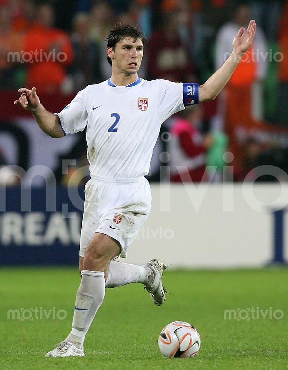 Fussball  International  U21-Europameisterschaft   Branislav IVANHOVIC (Serbien), Einzelaktion am Ball