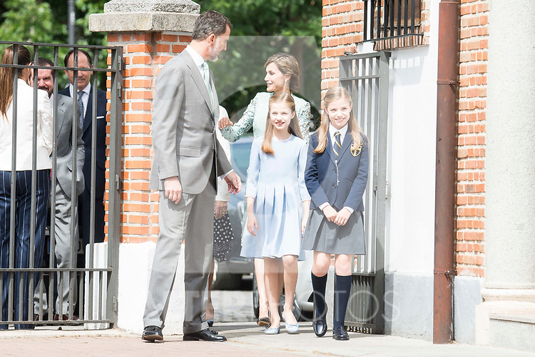 King Felipe VI of Spain, Princess Sofia of Spain, Princess Leonor of Spain and Queen Letizia of Spain arrives to the First Communion of princess Sofia at Asuncion de Nuestra Senora Church in Madrid, May 17, 2017. Spain.<br /> (ALTERPHOTOS/BorjaB.Hojas)