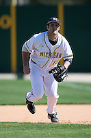 February 20, 2009:  First baseman Garrett Stephens (15) of the University of Michigan during the Big East-Big Ten Challenge at Jack Russell Stadium in Clearwater, FL.  Photo by:  Mike Janes/Four Seam Images