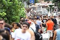SAO PAULO, SP, 28.03.2015 - MOVIMENTAÇAO LOLLAPALOOZA - AUTODROMO INTERLAGOS, SP - Movimentação externa do Lollapalooza 2015, na região do Autodromo de Interlagos, neste Sabado, 28. (Douglas Pingituro / Brazil Photo Press)
