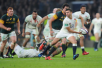 Ben Youngs of England passes to set up a try during the Old Mutual Wealth Series match between England and South Africa at Twickenham Stadium on Saturday 12th November 2016 (Photo by Rob Munro)