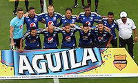 BOGOTA - COLOMBIA - 6-09-2015: Formacion  de Millonarios contra Independiente Santa Fe  antes del partido  por la fecha 10 de la Liga Aguila II 2015 jugado en el estadio Nemesio Camacho El Campin. / Team of Millonarios before match against of Independiente Santa Fe    during a match for the tenth  date of the Liga Aguila II 2015 played at Nemesio Camacho El Campin stadium in Bogota  city. Photo: VizzorImage / Felipe Caicedo / Staff.
