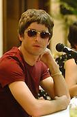 Jan 13, 2001: OASIS - Noel Gallagher press conference - Rio de Janeiro Brazil