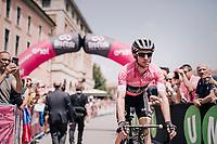 Maglia Rosa / overall leader Simon Yates (GBR/Mitchelton-Scott)<br /> <br /> stage 13 Ferrara - Nervesa della Battaglia (180km)<br /> 101th Giro d'Italia 2018