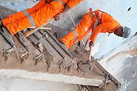 SAO PAULO, SP, 19 Janeiro 2012.Prefeitura Limpa area que foi demolida na cracolandia (FOTO: ADRIANO LIMA - NEWS FREE)
