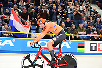 Picture by SWpix.com - 03/03/2018 - Cycling - 2018 UCI Track Cycling World Championships, Day 4 - Omnisport, Apeldoorn, Netherlands - Men's Omnium - Jan Willem van Schip of Holland wins the Scratch Race