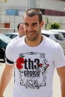MADRID, ESPANHA, 21 MAIO 2012 - APRESENTACAO SELECAO ESPANHOLA - Jogador Alvaro Negredo durante chegada nessa terca-feira (21) a cidade de Las Rozas de Futebol, para concentracao da selecao espanhola para os amistosos contra as Seleçoes da Suíça, a Servia e Coreia do Sul.FOTO: ALEX CID-FUENTES - ALFAQUI - BRAZIL PHOTO PRESS