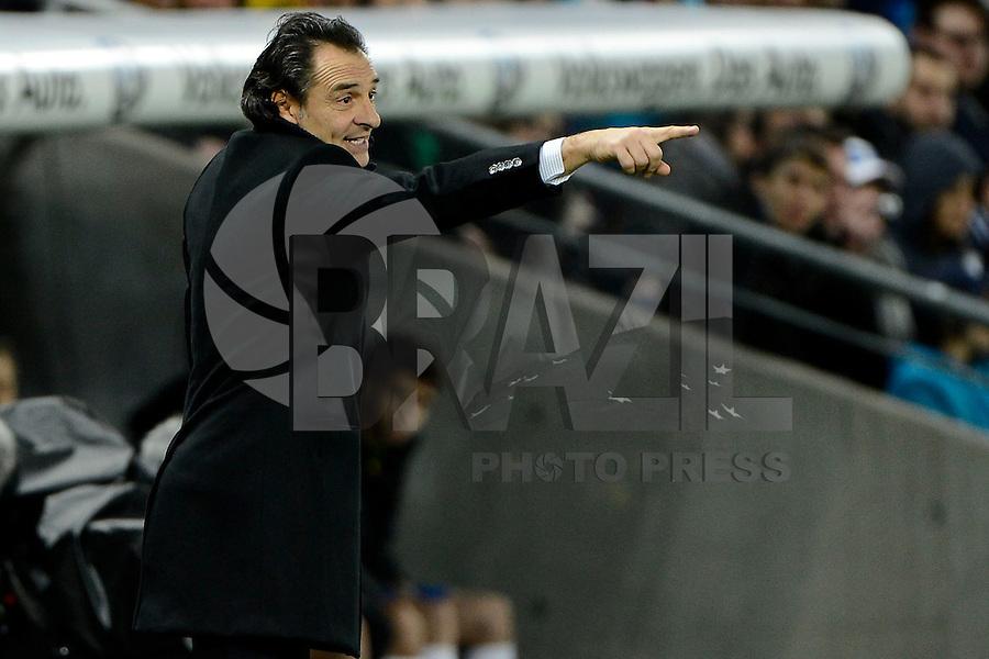 GENEBRA, SUICA, 21 DE MARCO DE 2013 - Cesare Prandelli Tecnico da Italia durante partida amistosa contra o Brasil, disputada em Genebra, na Suíça, nesta quinta-feira, 21. O jogo terminou 2 a 2. FOTO: PIXATHLON / BRAZIL PHOTO PRESS