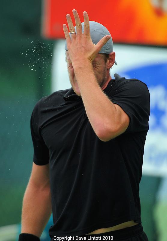 Australia's Sam Groth gives himself a good forehead slap. Configure Express Pro tennis tournament semifinals at Renouf Tennis Centre, Wellington, New Zealand on Saturday, 20 November 2010. Photo: Dave Lintott / lintottphoto.co.nz