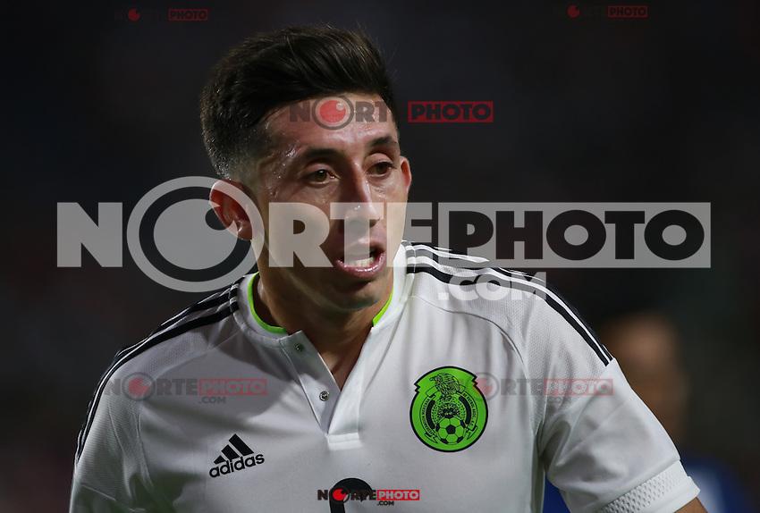 Hector Herrera de Mexico    ,durante partido entre las selecciones de Mexico y Guatemala  de la Copa Oro CONCACAF 2015. Estadio de la Universidad de Arizona.<br /> Phoenix Arizona a 12 de Julio 2015.
