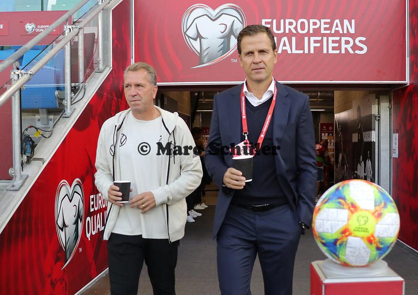 Torwarttrainer Andreas Koepke (Deutschland Germany), Teammanager der Nationalmannschaft Oliver Bierhoff (Deutschland Germany) betreten den Windsor Park - 09.09.2019: Nordirland vs. Deutschland, Windsor Park Belfast, EM-Qualifikation DISCLAIMER: DFB regulations prohibit any use of photographs as image sequences and/or quasi-video.