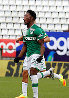 MANIZALES - COLOMBIA -12-02-2017: Jose Lloreda, jugador de Deportivo Cali, celebra el gol anotado al Once Caldas, durante partido Once Caldas y Deportivo Cali, por la fecha 3 de la Liga de Aguila I 2017 en el estadio Palogrande en la ciudad de Manizales. / Jose Lloreda,  player of Deportivo Cali, celebrates a scored goal to Once Caldas during a match Once Caldas and Deportivo Cali, for date 3 of the Liga de Aguila I 2017 at the Palogrande stadium in Manizales city. Photo: VizzorImage  / Santiago Osorio / Cont.