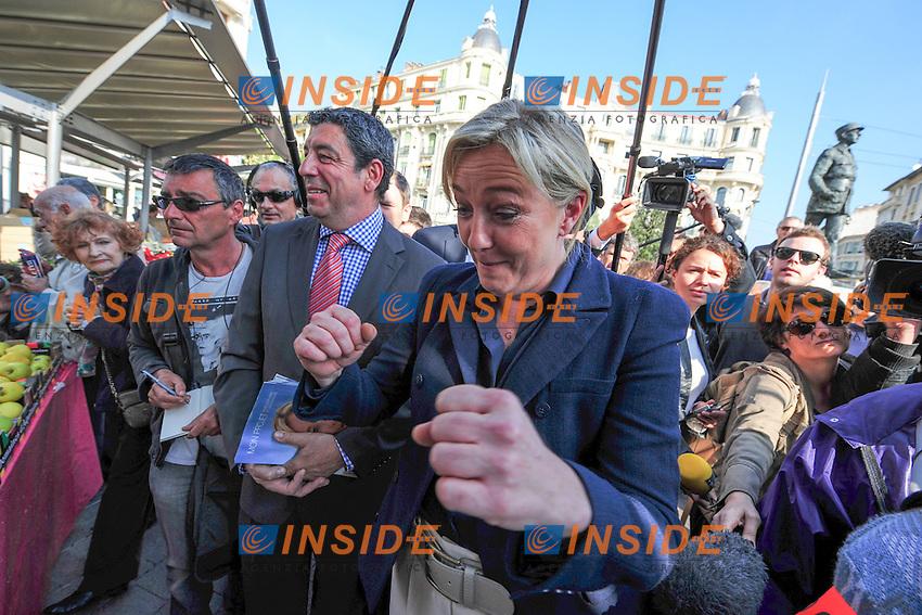 Nizza 31/03/2012 Campagna Presidenziale di Marine Le Pen. Visita ad un mercato a Nizza..Marine Le Pen - campagne presidentielle Nice.Photo Olivier Anrigo / Panoramic / Insidefoto.ITALY ONLY