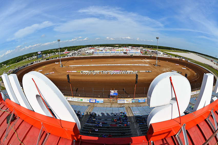 May 25, 2013; 4:37:41 PM; Wheatland, Mo., USA; The  Lucas Oil Late Model Dirt Series running the 21st Annual Lucas Oil Show-Me 100 Presented by ProtectTheHarvest.com.  Mandatory Credit: (thesportswire.net)