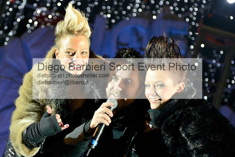 (KIKA) - TORINO - 04/01/2013 Concerto dei ragazzi di X-Factor 2012 sesta edizione, a Gru Village di Grugliasco, Torino.<br /> <br /> Le Donatella, Giulia e Silvia Provvedi, Paolino Rossato
