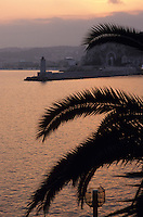 Europe/France/Provence-Alpes-Côtes d'Azur/06/Alpes-Maritimes/Nice : Vue sur la rade depuis le Coco Beach