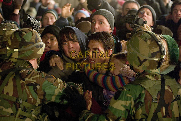 War of the Worlds (2005) <br /> Justin Chatwin, Tom Cruise, Dakota Fanning  <br /> *Filmstill - Editorial Use Only*<br /> CAP/KFS<br /> Image supplied by Capital Pictures