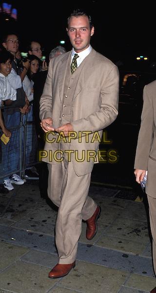 JOHN LESLIE.Ref: 598.beige suit.www.capitalpictures.com.sales@capitalpictures.com.©  Capital Pictures.
