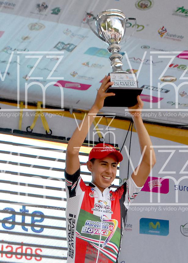 COLOMBIA. 17-08-2014. Alexis Camacho obtuvo el 3er puesto en la clasificación general de la Vuelta a Colombia 2014 en bicicleta que se cumple entre el 6 y el 17 de agosto de 2014. / Alexis Camacho was the third in the overal clasification of the Tour of Colombia 2014 in bike holds between 6 and 17 of August 2014. Photo:  VizzorImage/ José Miguel Palencia / Str