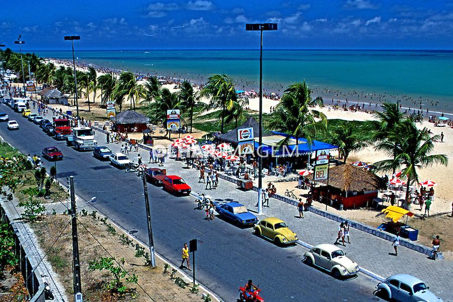 Praia de Tambaú em João Pessoa, Paraíba. 1997. Foto de Rogério Reis.