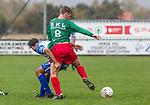 2017-11-05 / Voetbal / seizoen 2017 -2018 / KFCM Hallaar - K.Puurs EXC RSK / Adel Imad Ouriagli (l.Puurs) met Gert Van Looy  ,Foto: Mpics.be