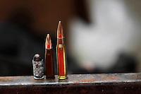 Rio de janeiro,13 de  julho de 2012- Na  manhã dessa  sexta-feira(13),  policias  do batalhão  de  choque com apoio da campanhia de  cães, fizeram operação na  comunidade de  manguinhos de mandela na  zona  norte do  RJ. Cães  da policia , encontraram munições de  diversos  calibres, maconha, cocaína e material  para  endolação no interior  da  comunidade do mandela.As apreenções  foram  levadas  para  21ªDP.<br /> Guto Maia razil Photo Press
