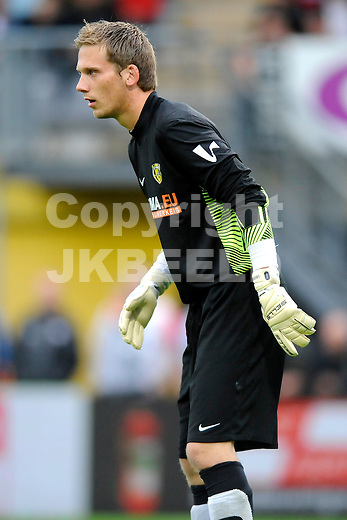 VEENDAM - SC Veendam - Feyenoord , voorbereiding seizoen 2011-2012, 22-07-2011 Veendam doelman Ben Meedendorp.
