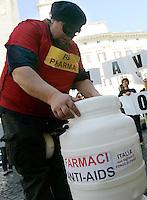Mobilitazione di Medici Senza Frontiere contro l'attacco ai farmaci generici, a Roma, 27 marzo 2012. L'organizzazione afferma che la produzione di garmaci generici indiani e' sotto il fuoco incrociato: l'Unione Europea cerca di limitare la capacita' dell'industria dei farmaci generici indiani di produrre medicinali salva-vita a prezzi concorrenziali. L'India e' anche fonte di gran parte dei farmaci antiretrovirali acquistati da donatori come il Fondo Globale, il quale si trova in grave crisi economica perche' i paesi donatori stanno riducendo progressivamente il loro sostegno per la lotta all'Aids..UPDATE IMAGES PRESS/Riccardo De Luca