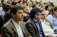 SAO PAULO, 25 DE JULHO DE 2012 - ELEICOES 2012 HADDAD - Canditato Fernando Haddad (PT) em visita ao Sindicato dos Engenheiros do Estado de Sao Paulo para apresentacao de planos e propostas, na regiao central da capital, na manha desta quarta feira. FOTO: ALEXANDRE MOREIRA - BRAZIL PHOTO PRESS