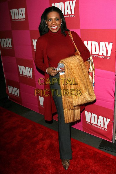 """SHERYL LEE RALPH.Eve Ensler's """"The Good Body"""" V-Day Benefit and Celebrity Opening Night - Arrivals held at the Wadsworth Theatre, Brentwood, California, USA..February 1st, 2006.Photo: Zach Lipp/AdMedia/Capital Pictures.Ref: ZL/ADM.full length red top yellow scarf.www.capitalpictures.com.sales@capitalpictures.com.© Capital Pictures."""