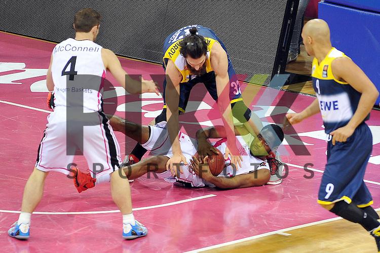 Am Ball Bonns Nr7 Ryan Brooks im Spiel Telekom Baskets Bonn - EWE Baskets Oldenburg.<br /> <br /> Foto &copy; P-I-X.org *** Foto ist honorarpflichtig! *** Auf Anfrage in hoeherer Qualitaet/Aufloesung Belegexemplar erbeten Veroeffentlichung ausschliesslich fuer journalistisch-publizistische Zwecke For editorial use only