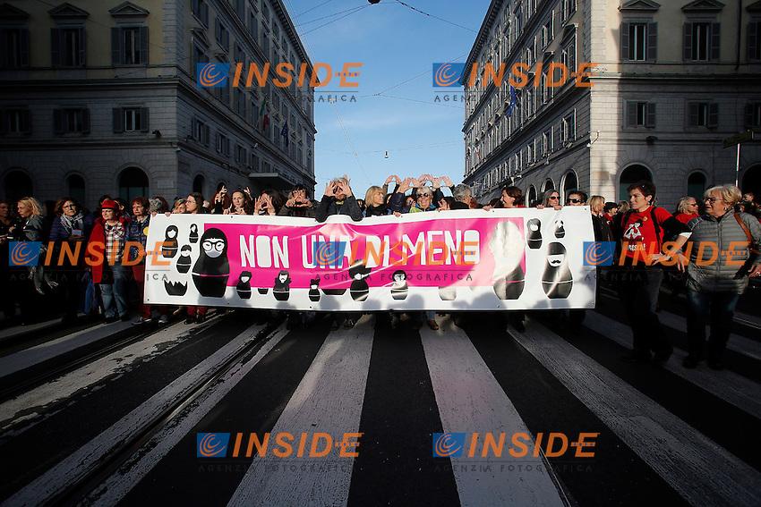 Roma 26-11-2016. Manifestazione contro la violenza sulle donne dal titolo Non una di meno.<br /> Rome November 26th 2016. Demonstration against violence on women.<br /> Foto Samantha Zucchi Insidefoto
