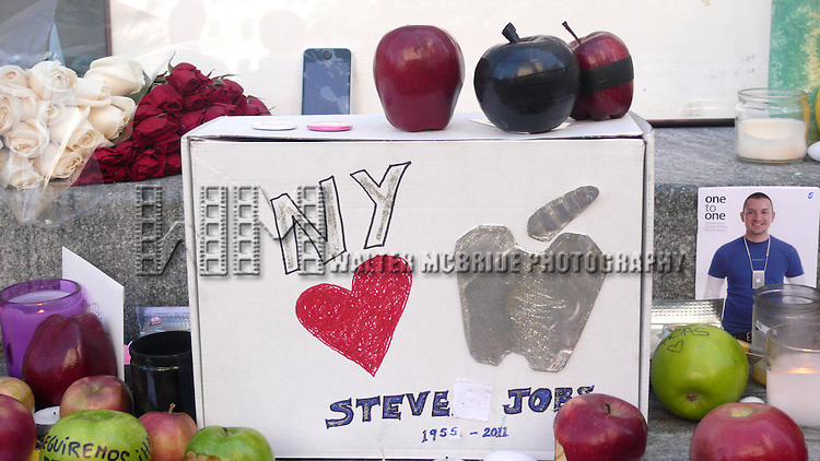 Steve Jobs Memorial at the Apple Flagship Store on Fifth Ave in New York City on October 7, 2011