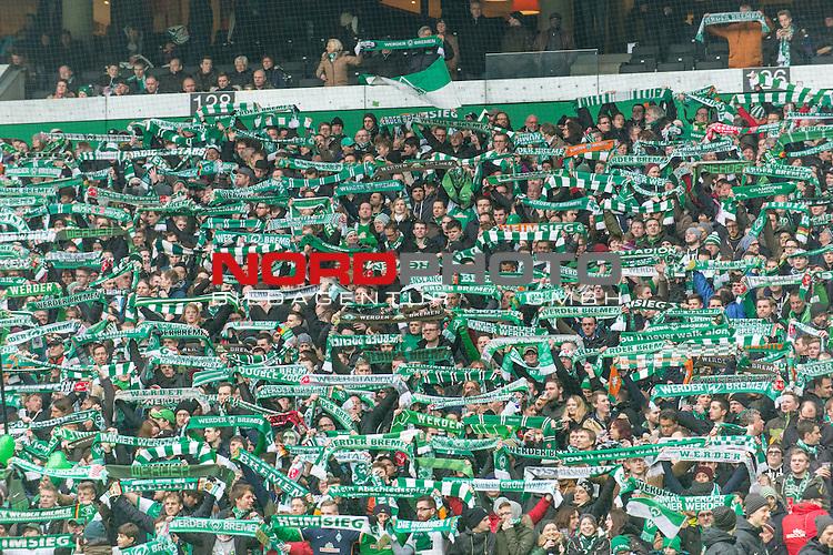 05.03.2016, Weserstadion, Bremen, GER, 1.FBL, Werder Bremen vs Hannover 96, <br /> <br /> im Bild / picture shows<br /> Fans von Werder Bremen in der Ostkurve halten Fanschals in die H&ouml;he / Hoehe, <br /> <br /> Foto &copy; nordphoto / Ewert