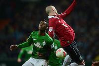 FUSSBALL   1. BUNDESLIGA   SAISON 2012/2013    20. SPIELTAG SV Werder Bremen - Hannover 96                           01.02.2013 Eljero Elia (li, SV Werder Bremen) gegen Christiab Pander (re, Hannover)