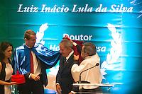 SAO BERNARDO DO CAMPO, SP, 04.12.2013 -  A Presidente Dilma Roulsseff e o Ex Presidente Lula, Dona Marisa participa solenidade de entrega do título de doutor honoris causa para o Presidente Lula Local: Bloco Beta Universidade Federal do ABC. Foto: Adriano Lima / Brazil Photo Press).