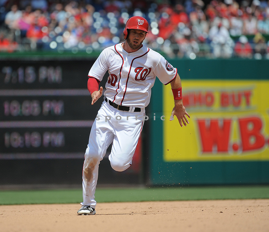 Washington Nationals Stephen Drew (10) during a game against the Philadelphia Phillies on June 11, 2016 at Nationals Park in Washington, DC. The Nationals beat the Phillies 8-0.