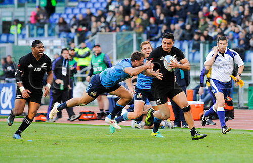 12.11.2016. Stadio Olimpico, Rome, Italy. Autumn International Rugby. Italy versus New Zealand. New Zealand on an open field break