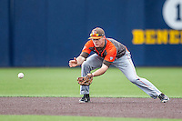 Bowling Green Falcons shortstop Cody Callaway (8) fields a ground ball against the Michigan Wolverines on April 6, 2016 at Ray Fisher Stadium in Ann Arbor, Michigan. Michigan defeated Bowling Green 5-0. (Andrew Woolley/Four Seam Images)