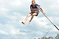 FIERLJEPPEN/POLSSTOKVERSPRINGEN: POLSBROEKERDAM: Tweekamp Holland-Friesland, Holland wint met een verschil van 7.02 meter (395.37) tegen Fryslân (388.35), Sytse Bokma, ©foto Martin de Jong