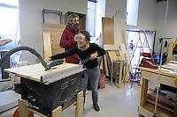 - Milano, Bricheco, officina e falegnameria  per il riuso e la riparazione degli oggetti presso la Stecca degli Artigiani nel quartiere Isola<br /> <br /> - Milan, Bricheco, joinery  workshop for repair and reuse of objects at Stecca degli Artigiani in the Isola district