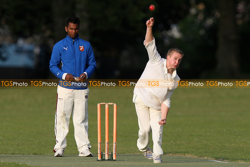 Island Community CC vs London Tigers CC - Victoria Park Community Cricket League - 12/05/09 - MANDATORY CREDIT: Gavin Ellis/TGSPHOTO - Self billing applies where appropriate - 0845 094 6026 - contact@tgsphoto.co.uk - NO UNPAID USE.