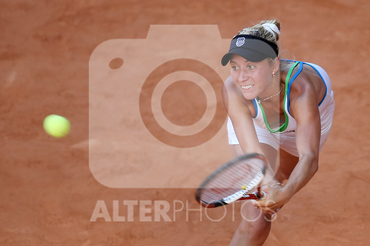 Ukraine's Alona Bondarenko during his Madrid Open quarter final match.May 15 2009.(ALTERPHOTOS/Acero).