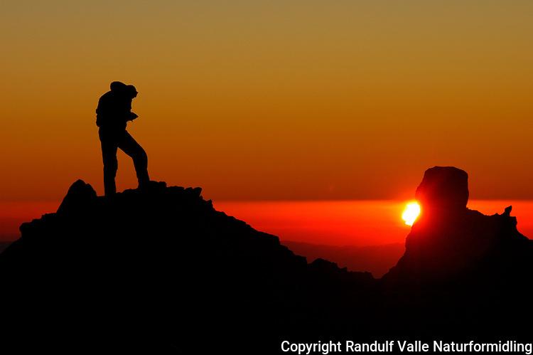 Solnedgang på Nido de Condores, Aconcagua. ---- Sunset at Nide de Condores, Aconcagua.