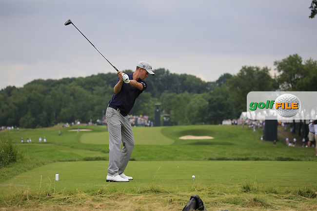 Webb Simpson (USA) tees off the 3rd tee during Friday's Round 1 of the 2016 U.S. Open Championship held at Oakmont Country Club, Oakmont, Pittsburgh, Pennsylvania, United States of America. 17th June 2016.<br /> Picture: Eoin Clarke | Golffile<br /> <br /> <br /> All photos usage must carry mandatory copyright credit (&copy; Golffile | Eoin Clarke)