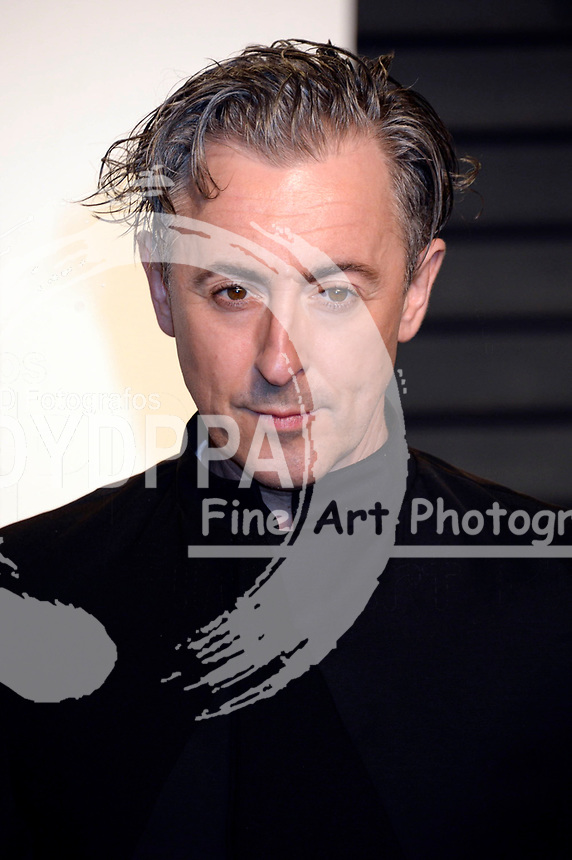 Alan Cumming attends the 2017 Vanity Fair Oscar Party hosted by Graydon Carter at Wallis Annenberg Center for the Performing Arts on February 26, 2017 in Beverly Hills, California.