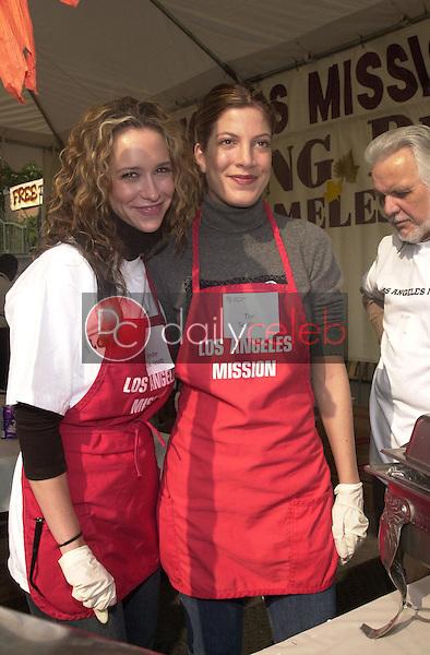 Tori Spelling and Jennifer Love Hewitt