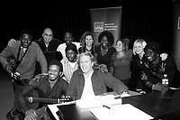 Répétition ouverte aux médias pour<br />  le spectacle de la série Les Week-ends Pop de l'OSM, en présence des artistes:<br /> Luck Mervil (a gauche), Dobacaracol, H'Sao et Syncop<br /> <br /> Le chef d'orchestre et arrangeur pour ce spectacle, Guy Saint-Onge,  au tambour (a droite)<br /> <br /> Photos : (c) 2007 Pierre Roussel